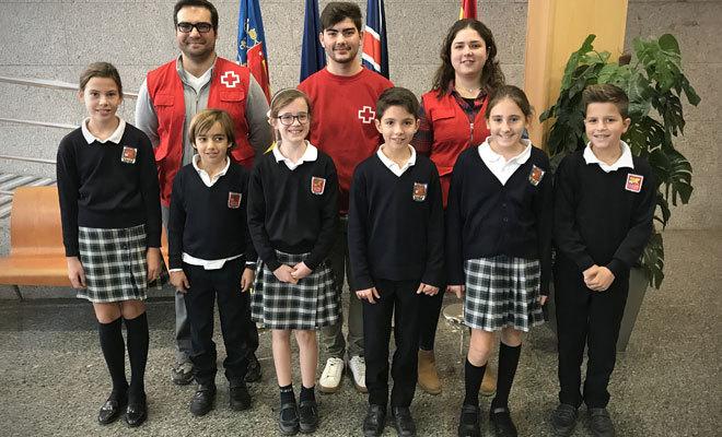 Cruz Roja imparte una charla en el colegio británico Caxton College