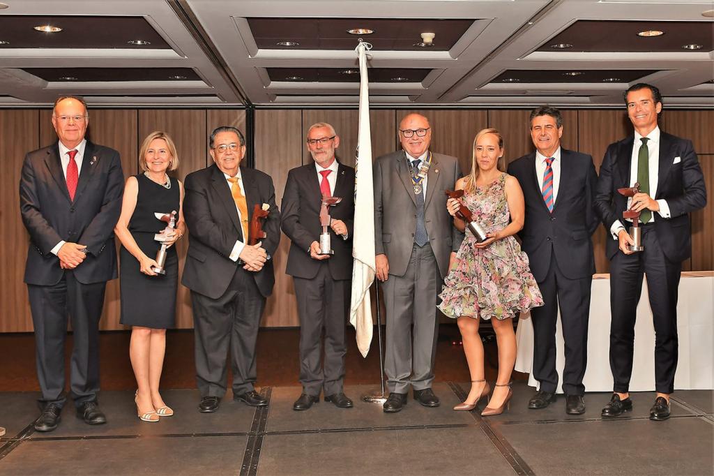 Caxton College, galardonado por el Rotary Club Valencia
